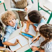 Совместная деятельность воспитателя и детей по ручному труду
