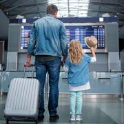 Выезд ребенка за границу без родителей: документы и услуги авиакомпаний