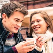 Ошибки языка тела: 10 жестов, способных испортить ваше первое свидание