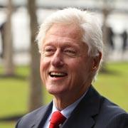 Почему Билл Клинтон так располагает к себе? Умение слушать: 3 шага