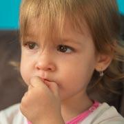 Как разобраться в причинах запоров у детей
