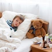 Как нельзя лечить ОРВИ у детей: 10 лекарств, которые не помогают при кашле и насморке