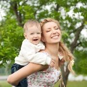 Маме с ребенком: гордиться, любить и не слушать доброжелателей