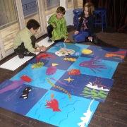 Море на полу: мастер-класс для группы детей