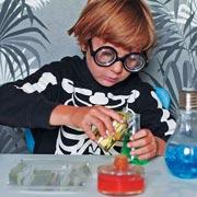 Химические опыты для детей – в обычной пластиковой коробке
