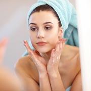 Как правильно очищать лицо в домашних условиях: 7 способов