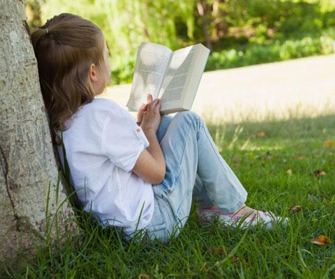 Внесите в свой список чтения на лето: 10 книг от книжного эксперта