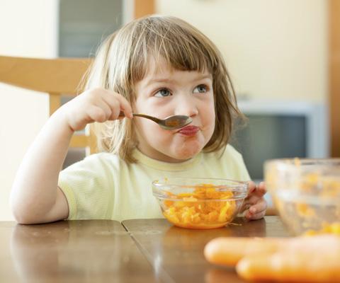Как кормить ребенка от года до трех: меню и рецепты