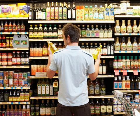 Как защитить права потребителя в супермаркете, в ресторане, в банке?