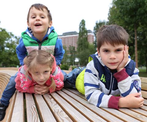 Как папа учит своего 3х летнего сына трахаться