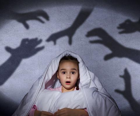 Ребенок боится оставаться один