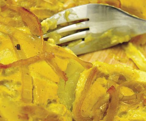 Заливной пирог с капустой на кефире рецепт с фото в духовке с яйцам
