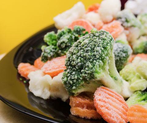 Правильное питание: замороженные овощи вместо свежих. Почему? Замороженные овощи вместо свежей брокколи. Замороженные ягоды вместо черники из Аргентины.