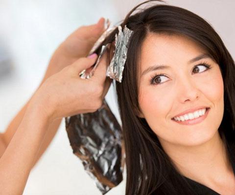 Как самостоятельно покрасить волосы в домашних условиях. Окрашивание волос дома в 2019 году