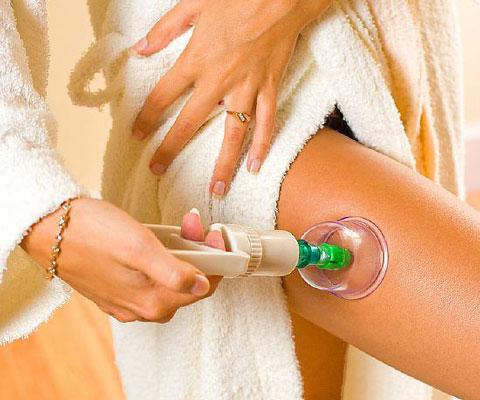 можно делать вакуумный массаж при месячных