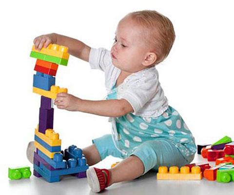 Какие конструкторы выбирать ребенку до 3 лет. Конструкторы для детей до 3 лет: какие бывают и как выбирать