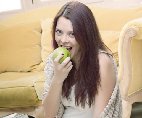 Лечение зубов при беременности с анестезией: можно ли делать местную, влияет ли