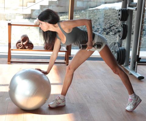 Сколько раз в неделю нужно заниматься спортом для здоровья и красоты? 2-4 раза в неделю