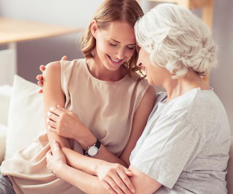 Между пожилыми родителями и детьми: как найти время на себя. Уход за стареющими родителями