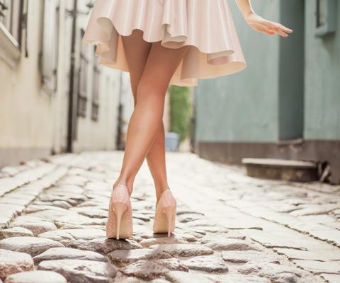 77e3038d8 Как научиться красиво ходить? 5 мифов о женской походке. Как научиться  ходить на каблуках
