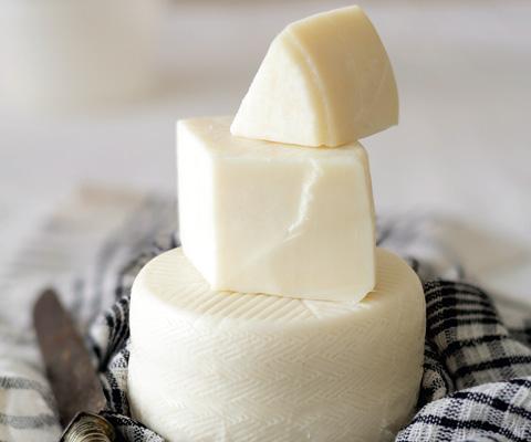 Как приготовить сыр из молока в домашних условиях