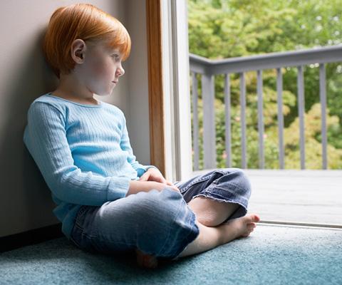 Ребенок не хочет сам одеваться и есть. А что будет в детском саду? Развитие самостоятельности у ребенка