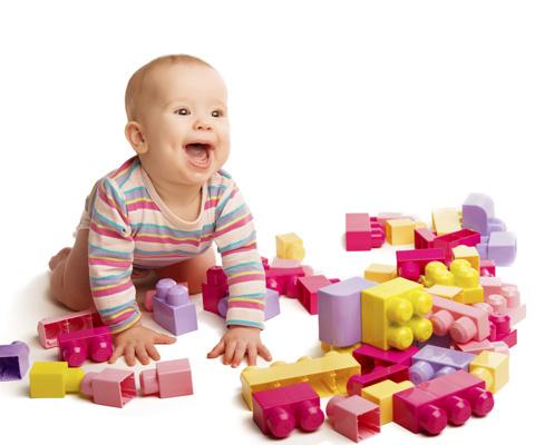 Ребенок опять разбросал игрушки. Убирать или нет?
