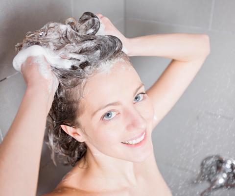 Шампуни без сульфатов и крем без парабенов: 5 мифов о вреде косметики. Вредные вещества в косметике