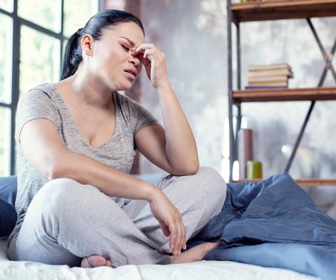"""Депрессия при менопаузе: как пережить гормональные """"американские горки"""""""