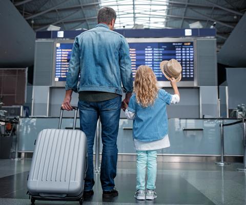 Как оформить выезд ребенка за границу без родителей