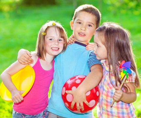 А вас устраивают друзья вашего ребенка? Отношения со сверстниками
