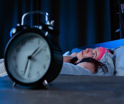 Часто просыпаетесь по ночам? Как улучшить сон с помощью еды. Как кишечная микрофлора влияет на сон