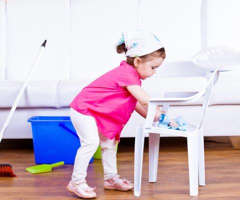Надо было сделать это раньше: как передать детям домашние обязанности