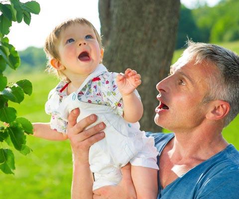 Почему я сижу с ребенком: рассказывают папы