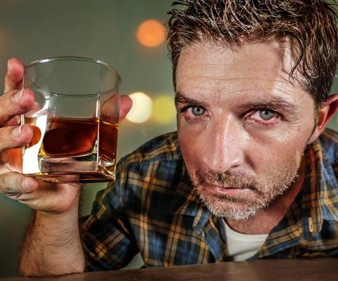 Пить одному это алкоголизм