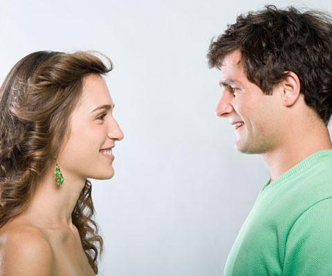 Жена соблазняет мужа на страпон