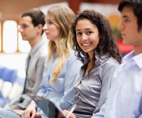 Как найти работу после вуза? Начинайте искать с первого курса!