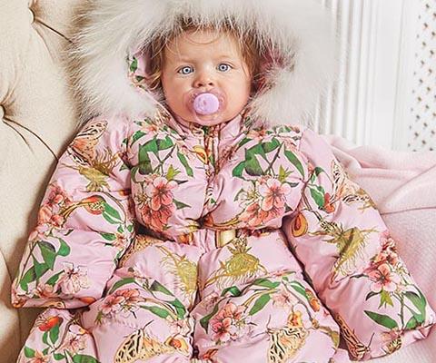 Пуховый конверт для новорожденного превращается в комбинезон и даже куртку