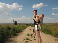 А вот так комфортно младший сын участвовал во всех экскурсионных походах