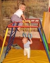Спорткомплекс Ранний старт подходит для детей отрождения до5-6 лет