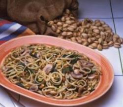 Второе: паста с грибами, базиликом и фисташками