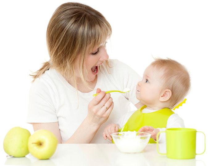 Чем кормить ребенка в самолете?