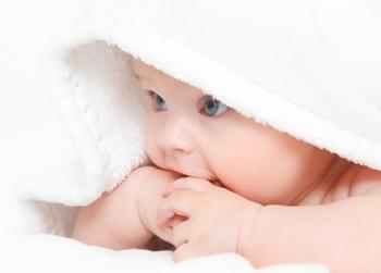 Как помочь малышу при проблемах с животиком?
