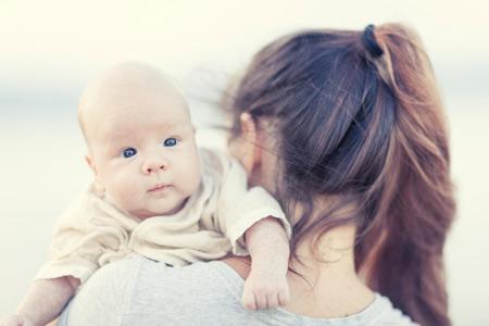 Какие пособия получат мамы в 2012 году?