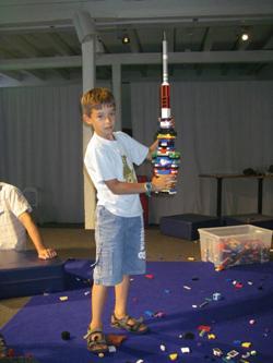 Музей техники башня из Лего