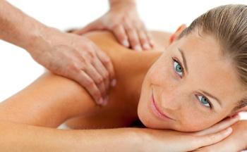 Классика жанра: как выполняется и кому показан классический массаж спины
