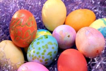 Как покрасить яйца: новые идеи