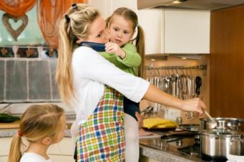 Работа на дому: и дети, и деньги