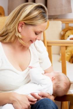 на какой день появляется молоко после родов