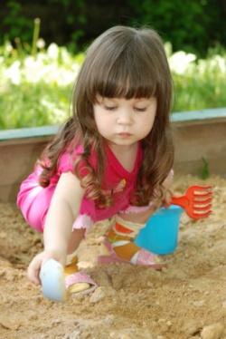 Песочница - школа общения для ребенка